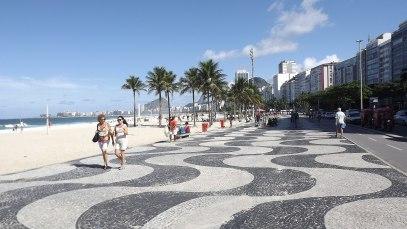 2048px-Calçadão_de_Copacabana