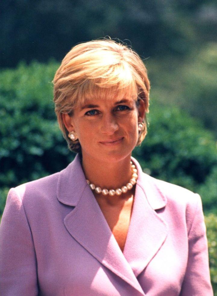 Diana,_Princess_of_Wales_1997_(2)