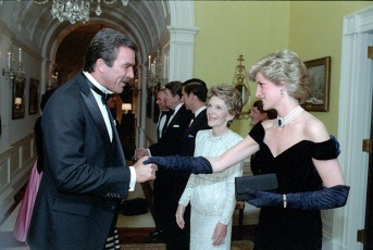11/9/1985 Princess Diana is greeted by Tom Selleck in the residence during a private dinner