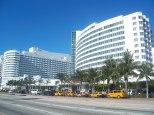 2048px-Miami_Beach_FL_Fontainebleau01