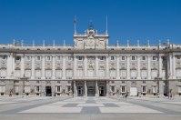 2048px-Palacio_Real_de_Madrid_-_13
