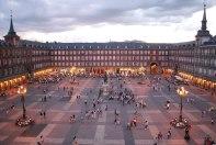 2048px-Plaza_Mayor_de_Madrid_06