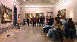 2048px-Sala_de_Tiziano_en_el_Museo_del_Prado