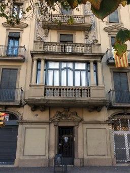 518_Casa_Valls,_c._Carme_103_(Girona),_tribuna