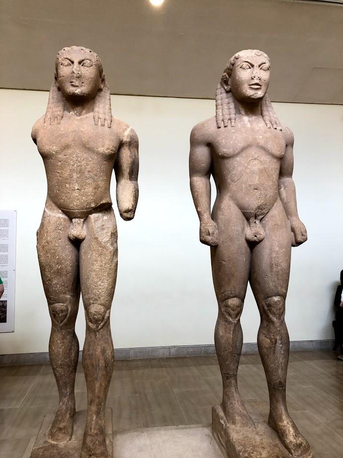 twin statues delphi